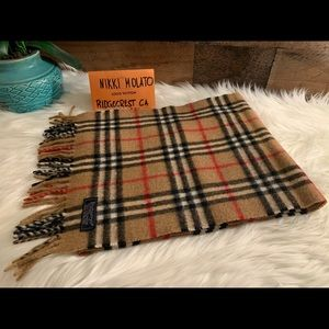 guarantee authentic pre owned Burberry's scarf